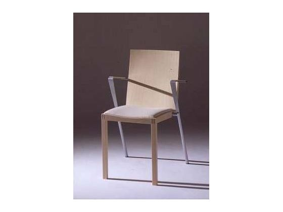 Kova chair
